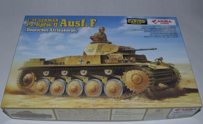 1:24 Dt. Pz.Kpfw.II Ausf.F (DAK) Carson 1024002 501024002