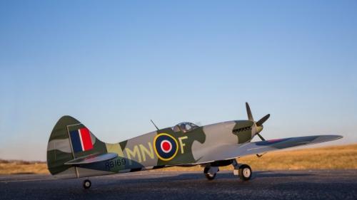 E-flite Spitfire Mk XIV 1,2 m BNF Basic Horizon EFL8650
