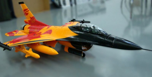 F-16 KIT Holländisches Demoteam 860mm Orange 35259