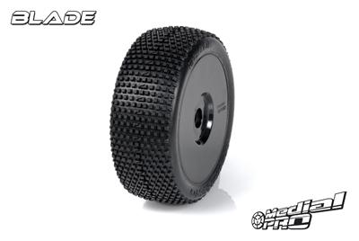 Medial Pro - Racing Reifen und Felgen verklebt - Blade - M4 Super Soft - Buggy 1/8 - 17mm Sechskant - Weisse Felgen MP-6435-M4