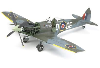 1:32 Supermarine Spitfire Mk.XVIe Tamiya 60321 300060321