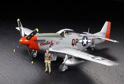 1:32 WWII North American P-51D Mustang Tamiya 60322 300060322