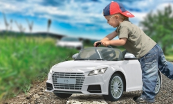 Ride-on Audi TTS Roadster weiß 2,4G 6V Jamara 405039