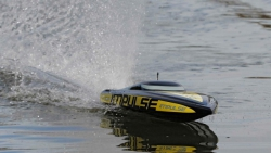 Proboat Impulse 31-inch Deep-V V3 Brushless: RTR INT Horizon PRB08008I