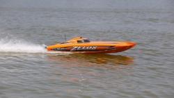 Proboat Zelos 48-inch Catamaran BL: RTR INT Horizon PRB08017I