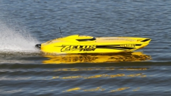 Pro Boat Zelos 36 Brushless Twin Catamaran RTR Horizon PRB08021