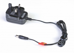 AC-Adapter TX 5,6V 200mA UK Stecker Graupner S8358